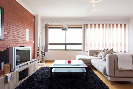 Lisbon Beach & City Apartment-3 Bedrooms