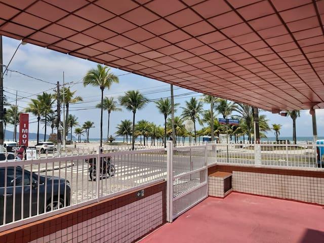 Kitnet Frente Para o Mar em Praia Grande - Aviação