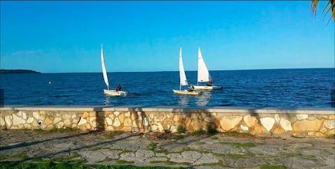 Hostal La Marina !An unforgettable stay!