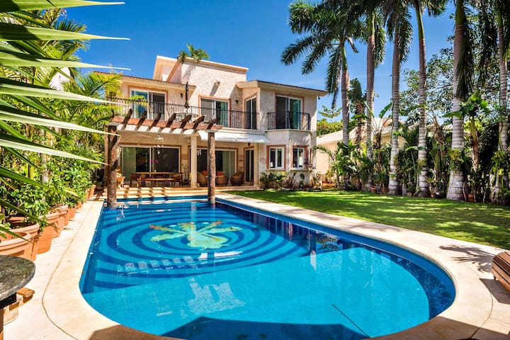 Charming 5BD Villa - Casa Jaguar