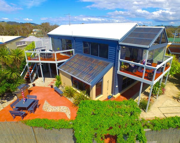 Award Winning Tasmanian Beach House - Turners Beach