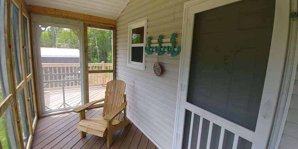 MALPEQUE KITE POINT COTTAGE-PRIVATE & WATER ACCESS