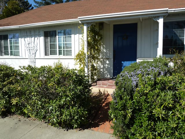 1 bd quiet, clean and safe apartment near downtown - Pleasanton - Apartment