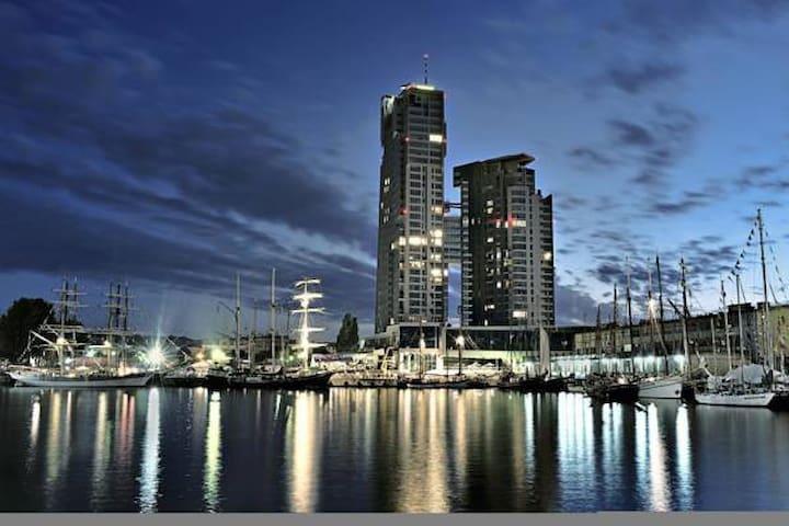 Duży apartament w Sea Towers Gdynia - Gdynia - Pis