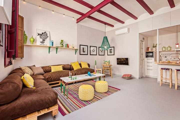 Colorful Catalan apt with terrace *Sagrada Familia*