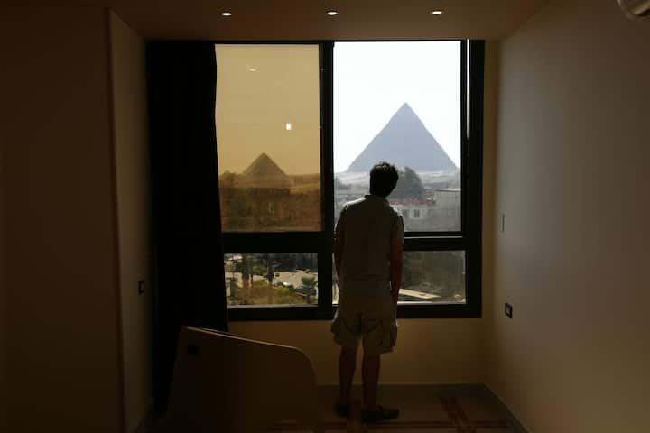 Happy days pyramids view