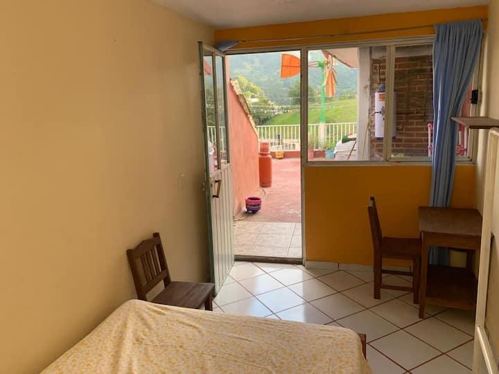 Confortables cuartos en la casa del Rehilete.