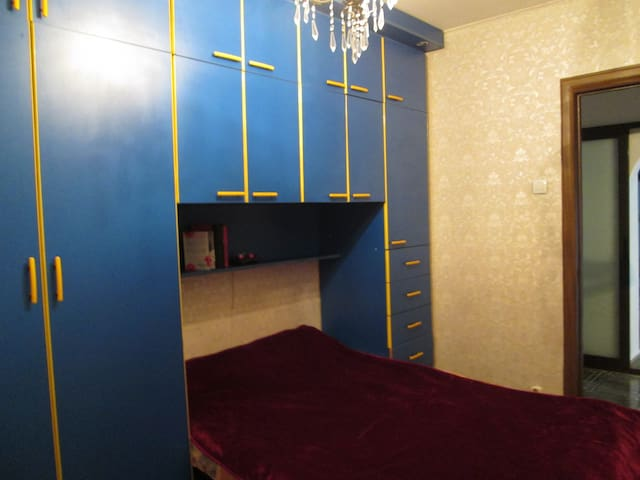 Cozy comfortable room, 3 minutes away from subway - Bucharest