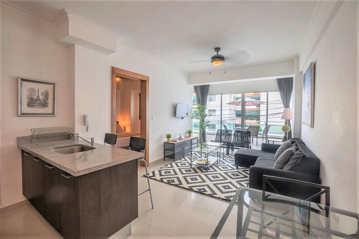 DOWNTOWN LUXURY APT | BIG PRIVATE TERRACE | GYM ✔️