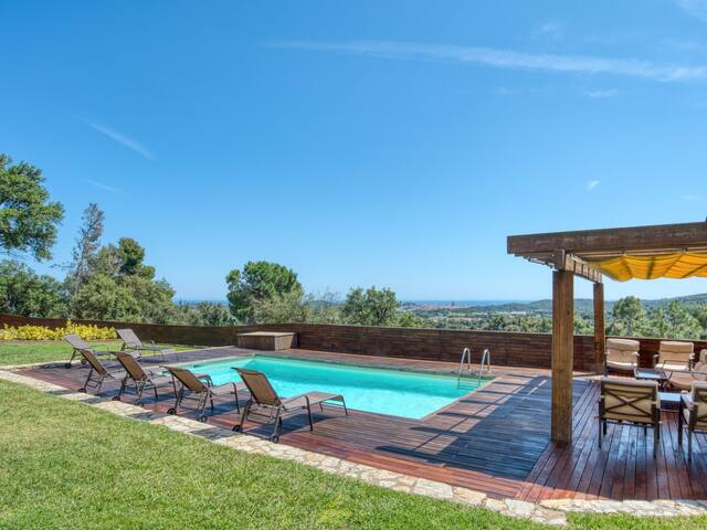 AWESOME HOUSE IN VALL-LLOBREGA WITH SWIMMING POOL