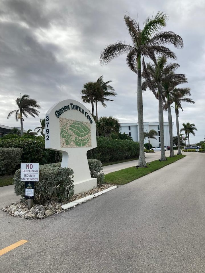 Great Condo in Hutchinson Island Relax, Refresh.