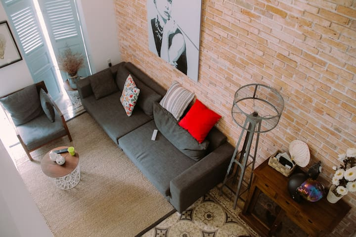 Art Loft in Old French Building /DRAGON NEST 59/ - Ho Chi Minh City - Apartment