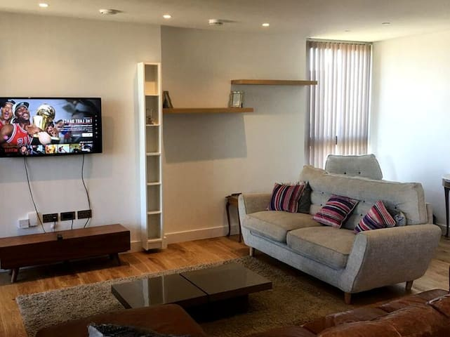 Nichole serviced apartment in Croydon