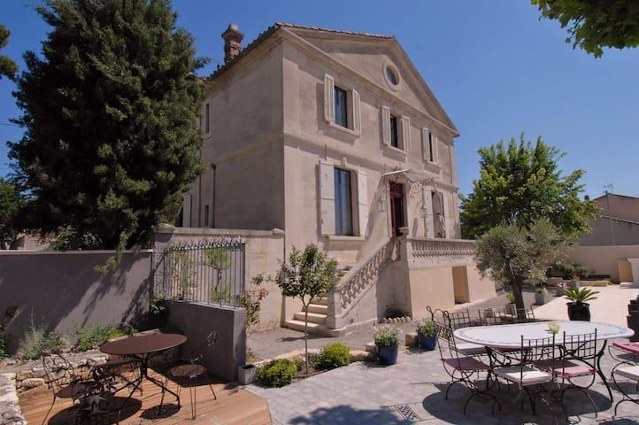 Demeure de charme,XIXème, piscine.. - Morières-lès-Avignon - Dom