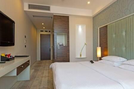 Doppelbett-Zimmer in schöner Lage