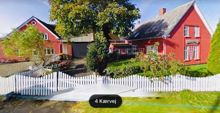 Søby Mejeri Kunst, Cafe og værelsesudlejning.