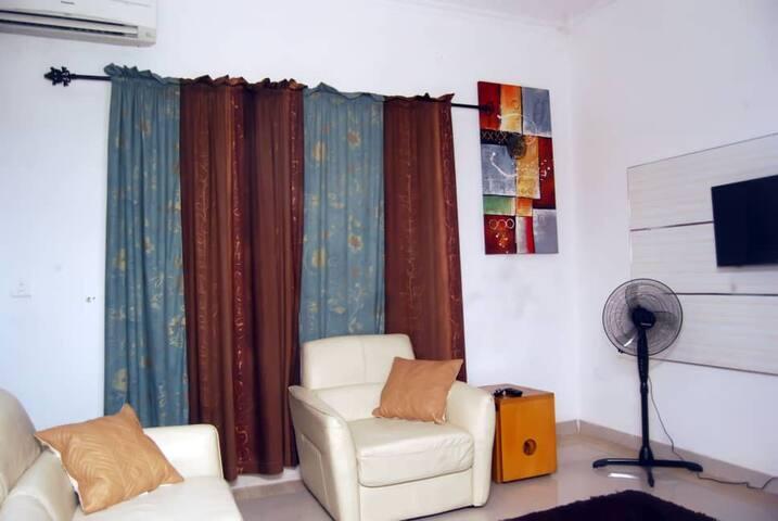 Jasmine @ Lekki Phase 1-Entire 1 bedroom apartment