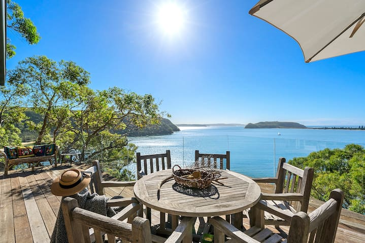 Cape Mackerel Cabin w Palm Beach & Pittwater Views
