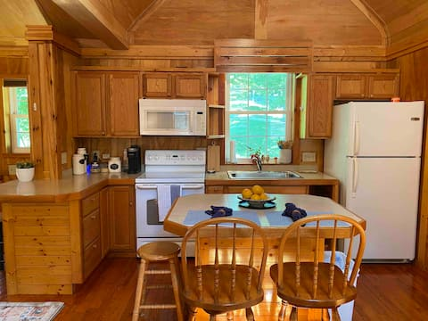 New Listing-Mountain Getaway-1 BR Cabin w/View