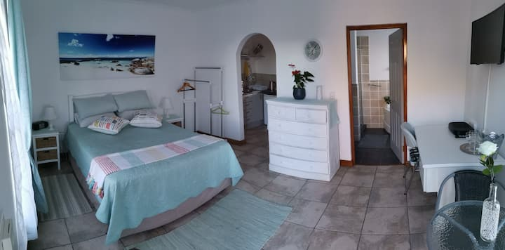 Runciman's Rest:  comfort, views and beach!