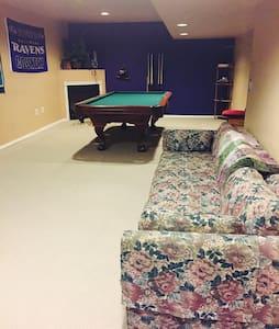 Large basement nr BWI Annapolis DC - Millersville - Dom