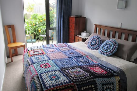 Marlin Street Home Stay Bed and Breakfast - Whitianga
