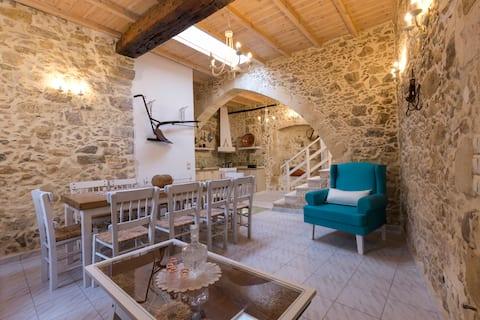 Trigono House, 4BD/3BR, Family Holidays West Crete