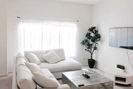 Modern Cozy Flat Near the Beach! - 圣塔莫尼卡 - 公寓