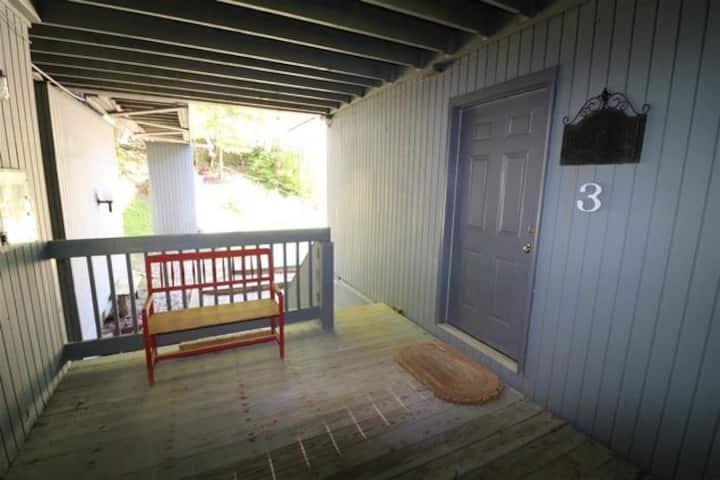 Two Bedroom, Cozy Sugarbush Slopeside Retreat