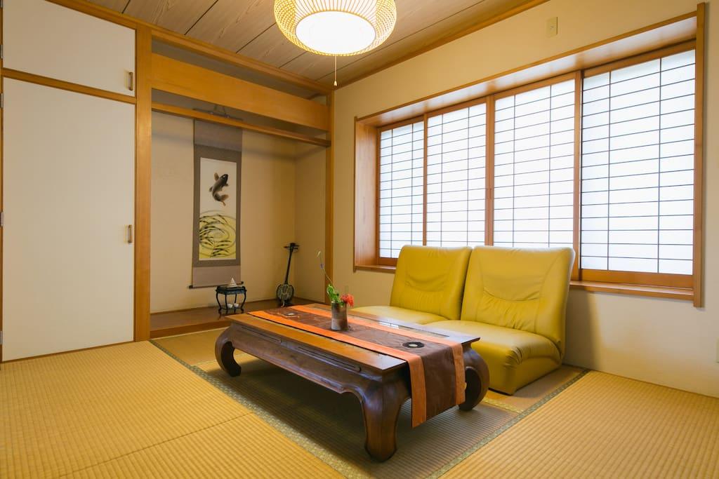 Tatami room ( you can play Okinawan guitar SANSHIN and SANBA)