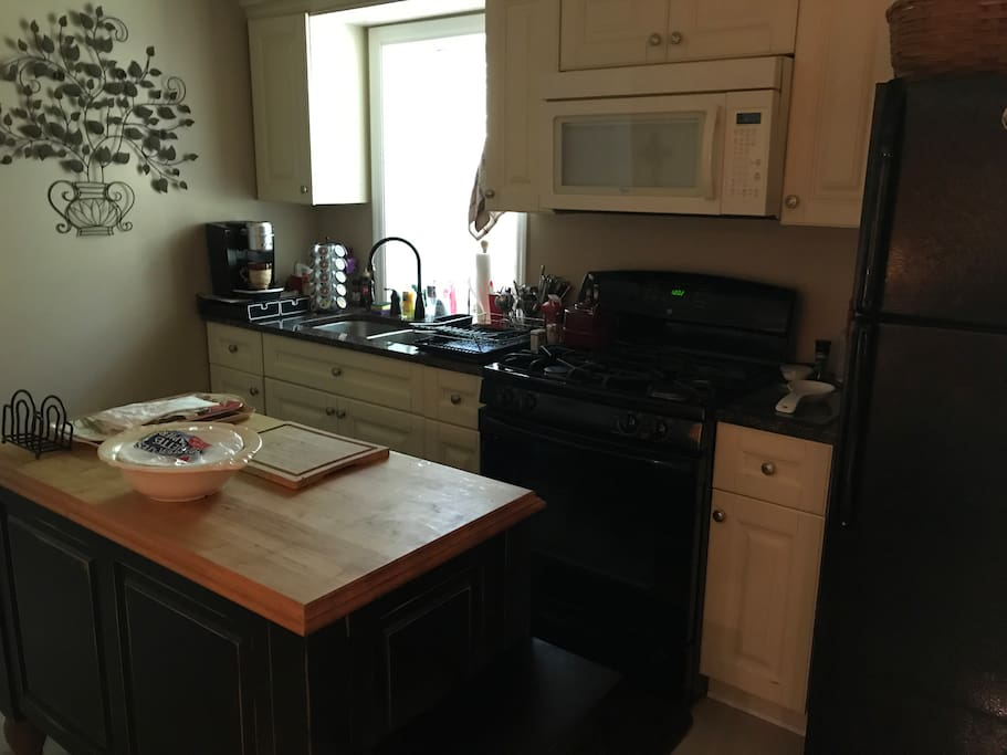 Full private kitchen with coffee and tea supplied.