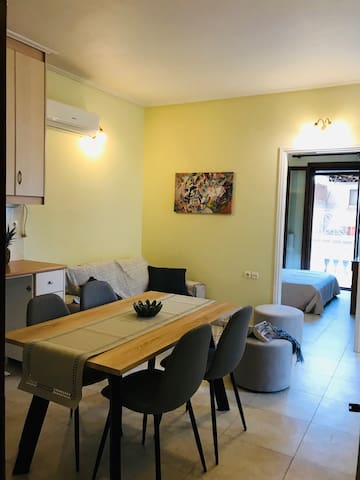 Katifori's quiet flat near Zakynthos market center