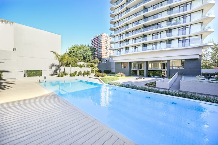 1BDR luminous amazing view! Gym, parking and pool