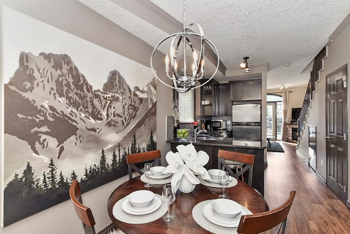 2 BEDROOM LUXURY CHALET WITH MOUNTAIN VIEW