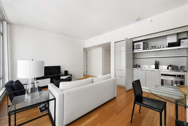 Midtown One Bedroom Blocks from Times Square