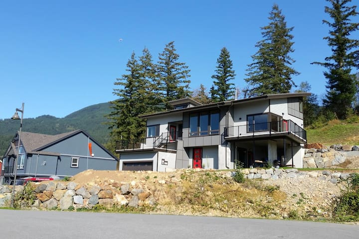 Pilots' Loft 2, B&B with breathtaking view - Agassiz - Bed & Breakfast