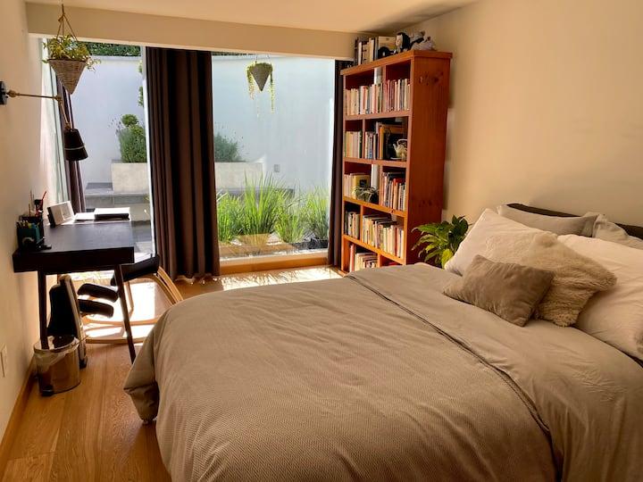 Linda y ubicadísima suite en el Pedregal
