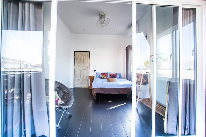 Double room with balcony @ Sweet Life Guesthouse