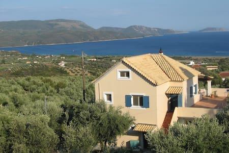 Villa Olivia - studio with view on the Ionian sea! - Finikounda