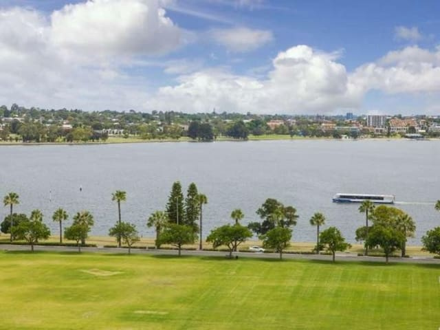 Central Luxurious Private Double Room - East Perth - Appartement
