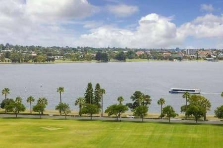 Central Luxurious Private Double Room - 东珀斯(East Perth) - 公寓