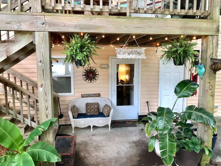 Sunset Palms! Pet Friendly, Close to Bogue Pier!