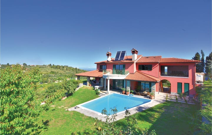 Awesome home in Portoroz with Sauna, WiFi and 3 Bedrooms