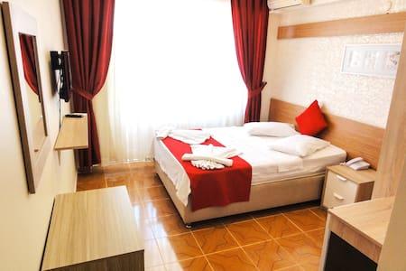 Altinersan Room with Breakfast 150 m to Main Beach