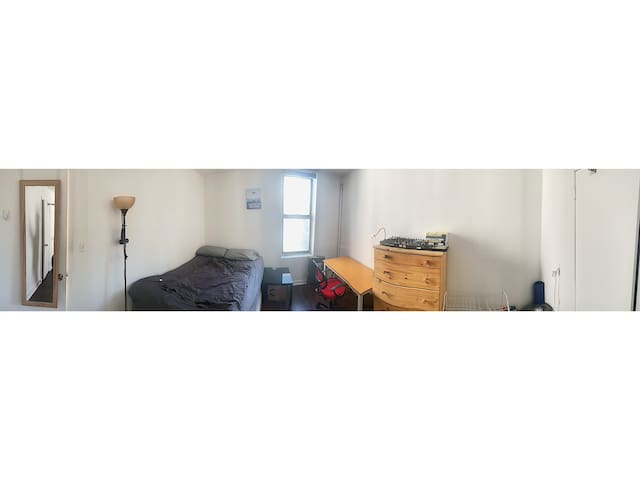 Large Bushwick Bedroom in Newly Renovated Aprtment