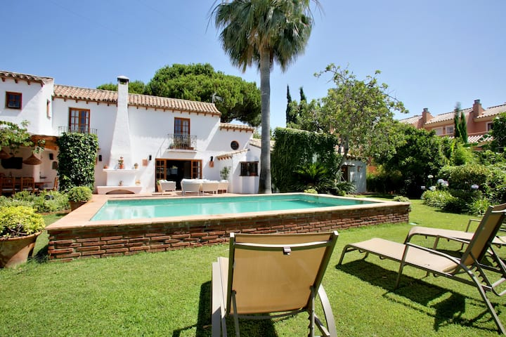 Lux. Andalusian Villa Golden Mile