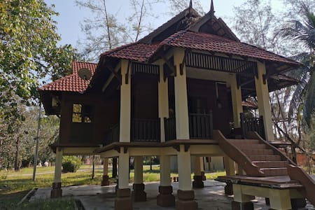 3 bedroom bungalow Keluang Adventure Camp