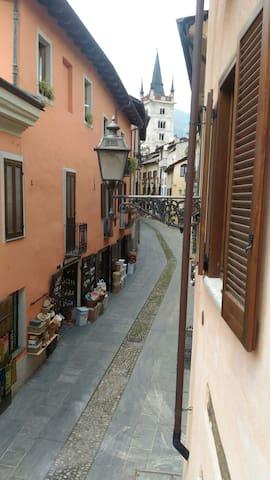Appartamento ampio trilocale centro storico Susa