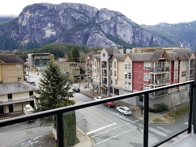 Squamish Apartment With Mesmerizing Views!