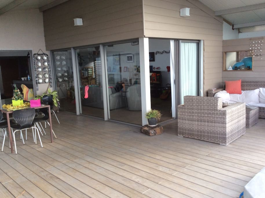 Maison d 39 architecte en hauteur houses for rent in papeete les du vent french polynesia - Maison architecte mark dziewulski ...
